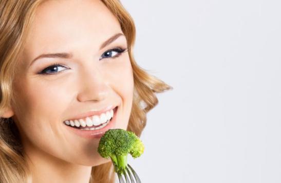 Comiendo-Brocoli